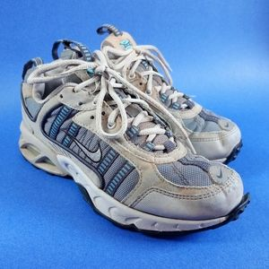 2003 Women's Nike Air Trail Athletic Shoes Style #